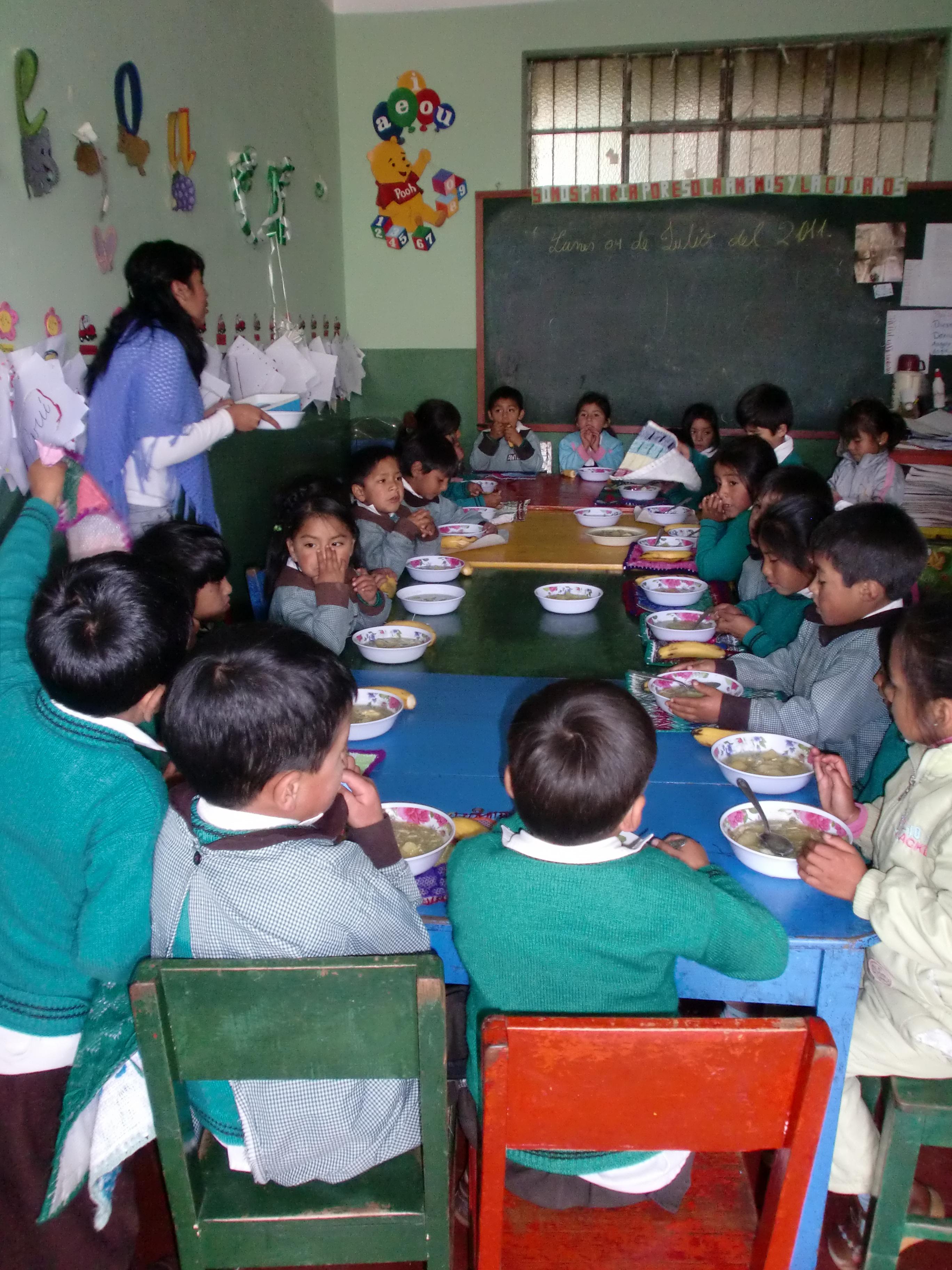 Comedores escolares aulas abiertas en cajamarca for Comedores escolares bogota