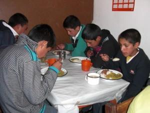 Comedor secundaria Aulas Abiertas Perú