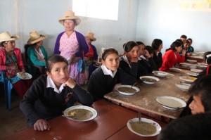 Comedor escolar Aulas Abiertas en Catán (Perú)